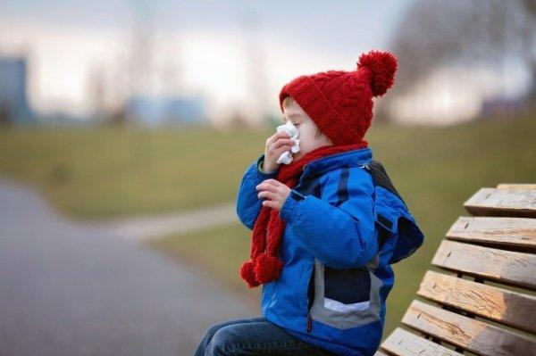 Доктор Комаровский рассказал, как ни в коем случае нельзя лечить кашель